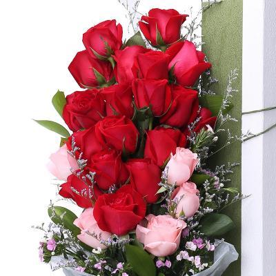 两心相系-19支精品混色玫瑰