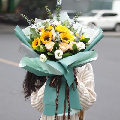 感今怀昔-6朵向日葵香槟玫瑰混搭花束