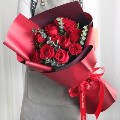 深沉的爱恋-11朵红玫瑰,尤加利间插